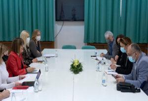 Министарка Гојковић одржала састанак са представницима новинских удружења